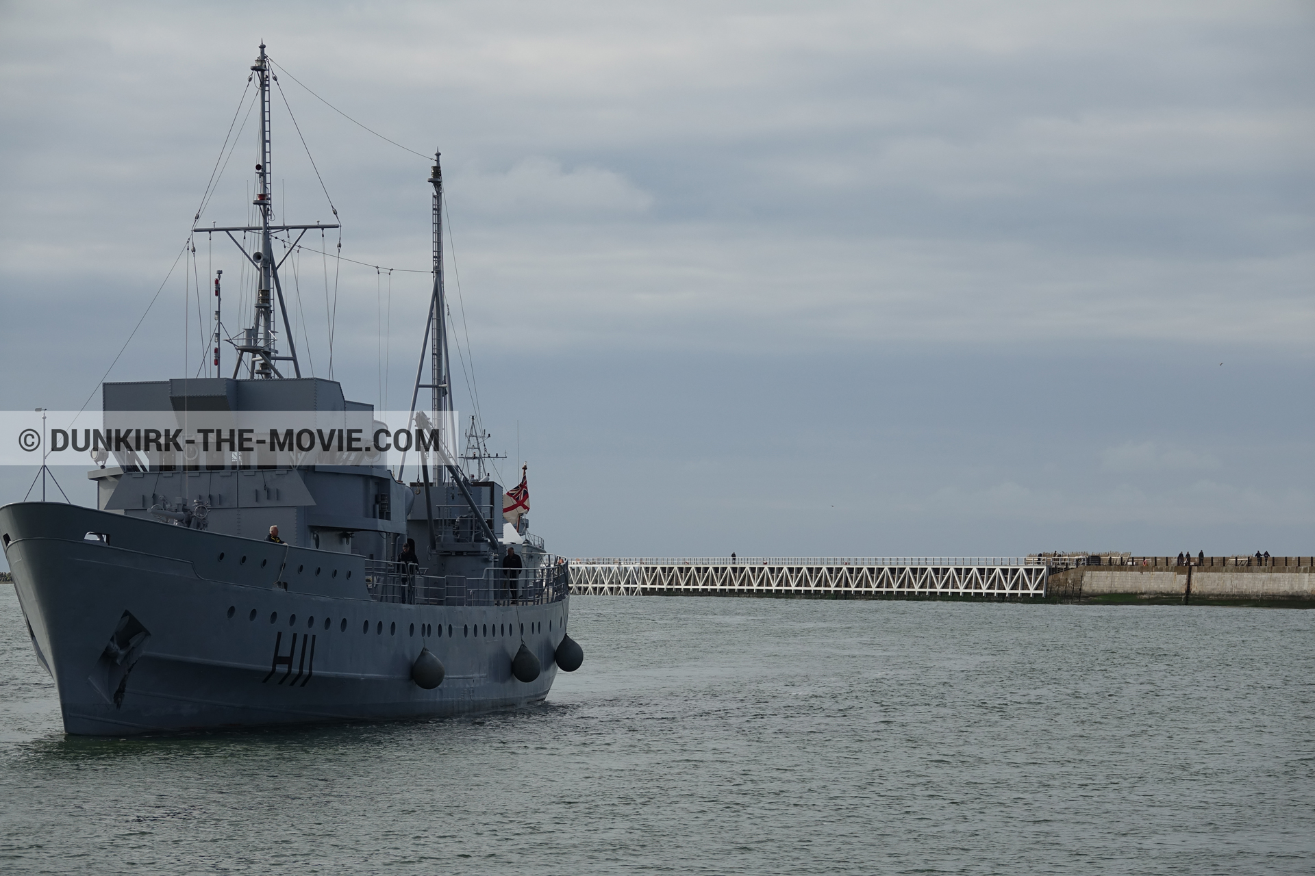 Picture with cloudy sky, H11 - MLV Castor, EST pier, calm sea,  from behind the scene of the Dunkirk movie by Nolan