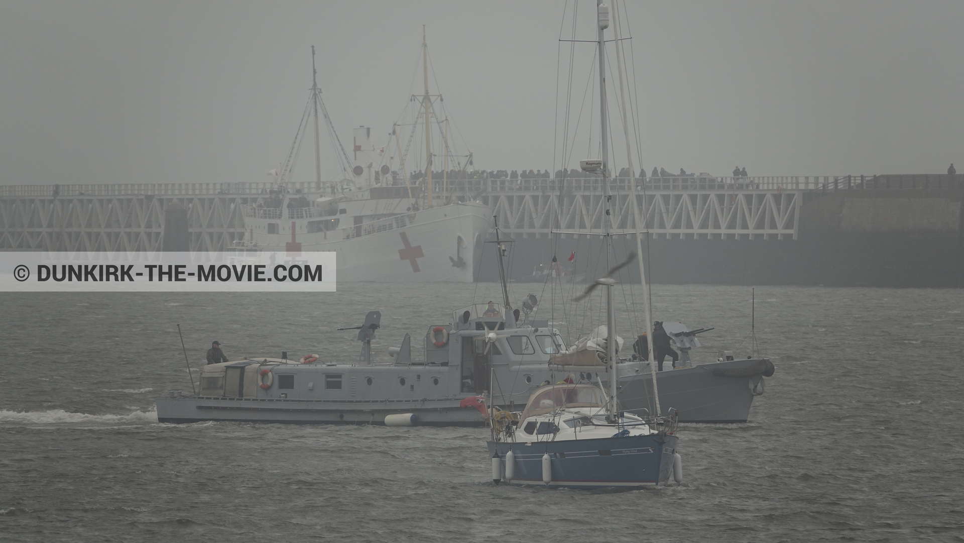 Picture with boat, grey sky, EST pier, PR 22,  from behind the scene of the Dunkirk movie by Nolan