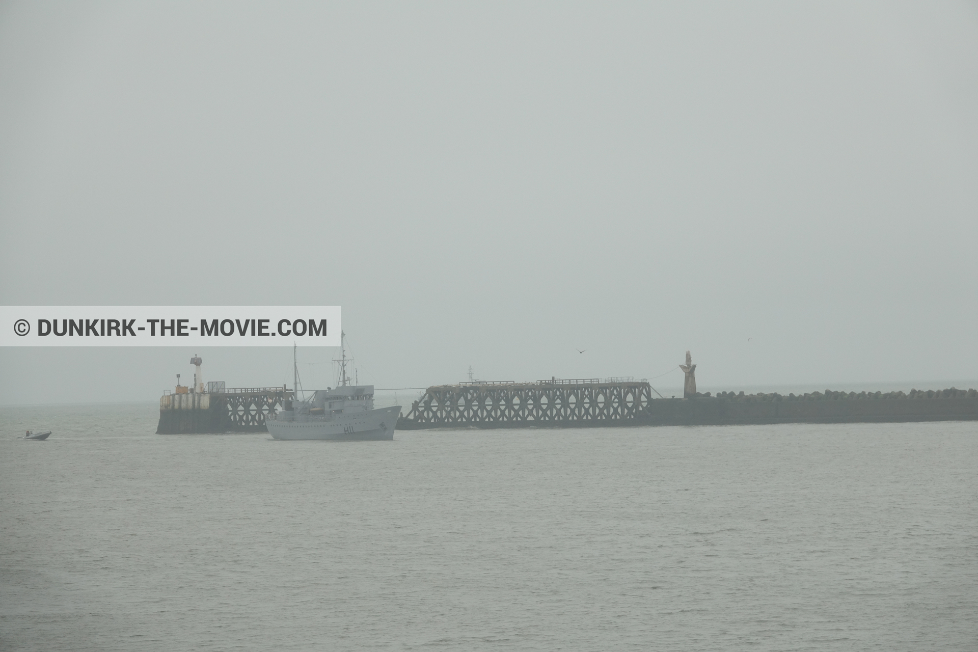 Picture with boat, grey sky, H11 - MLV Castor,  from behind the scene of the Dunkirk movie by Nolan