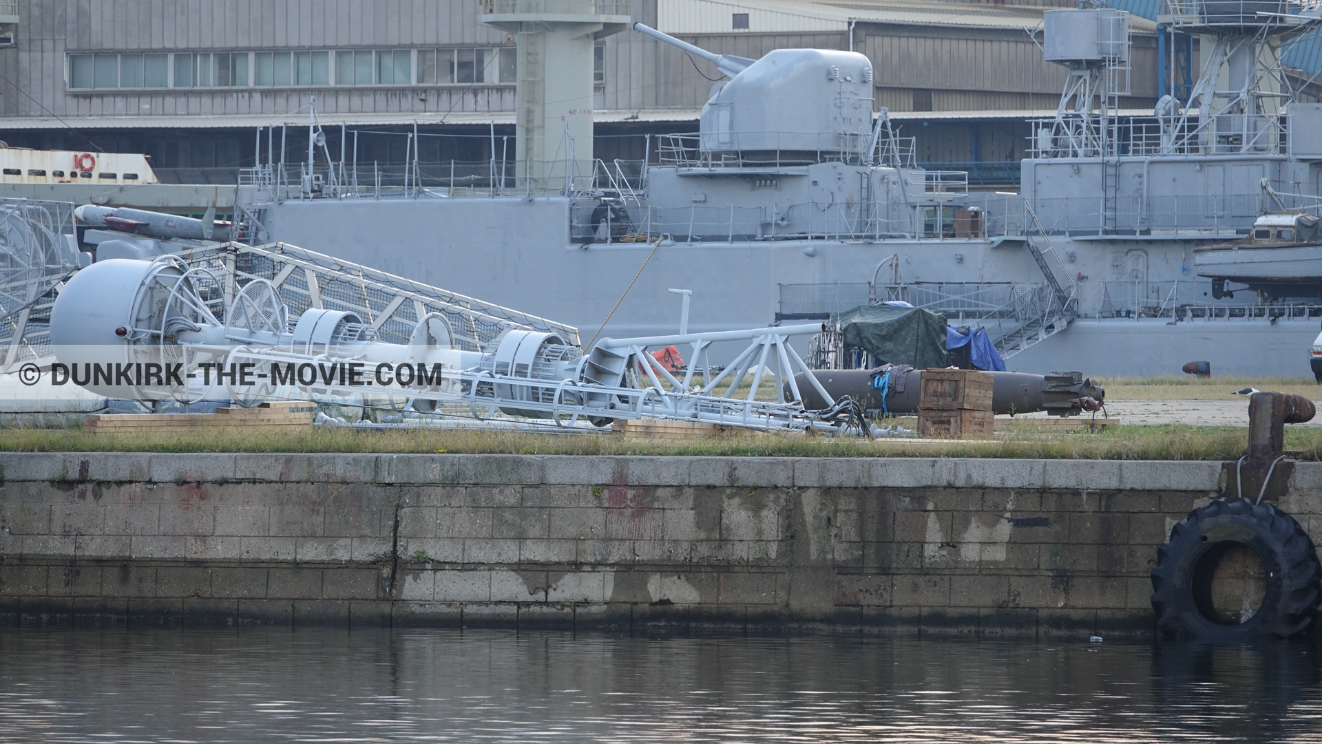 Picture with accessories, Maillé-Brézé - D36 - D54,  from behind the scene of the Dunkirk movie by Nolan