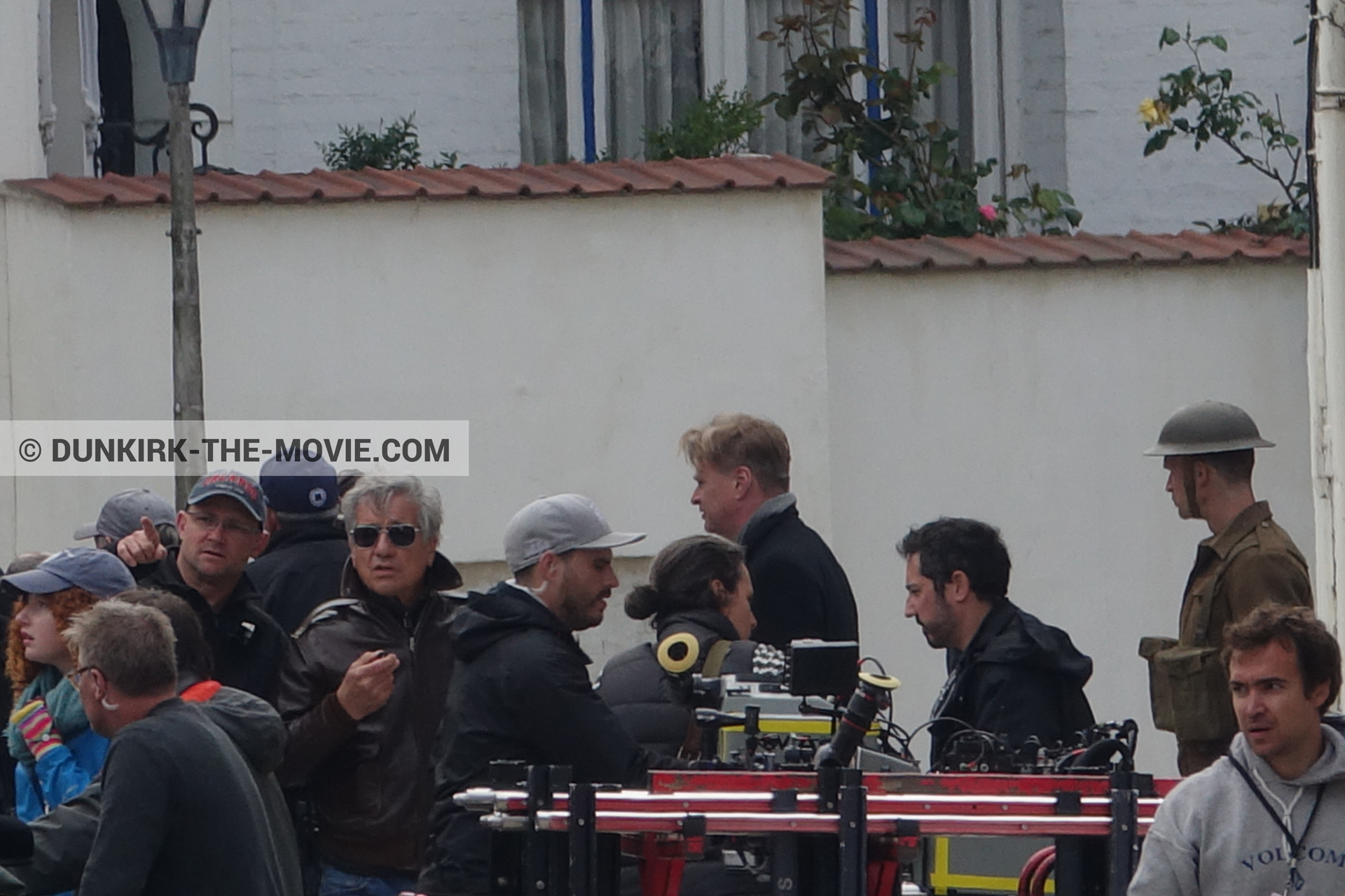 Picture with Christopher Nolan, Belle Rade street, technical team, Nilo Otero,  from behind the scene of the Dunkirk movie by Nolan