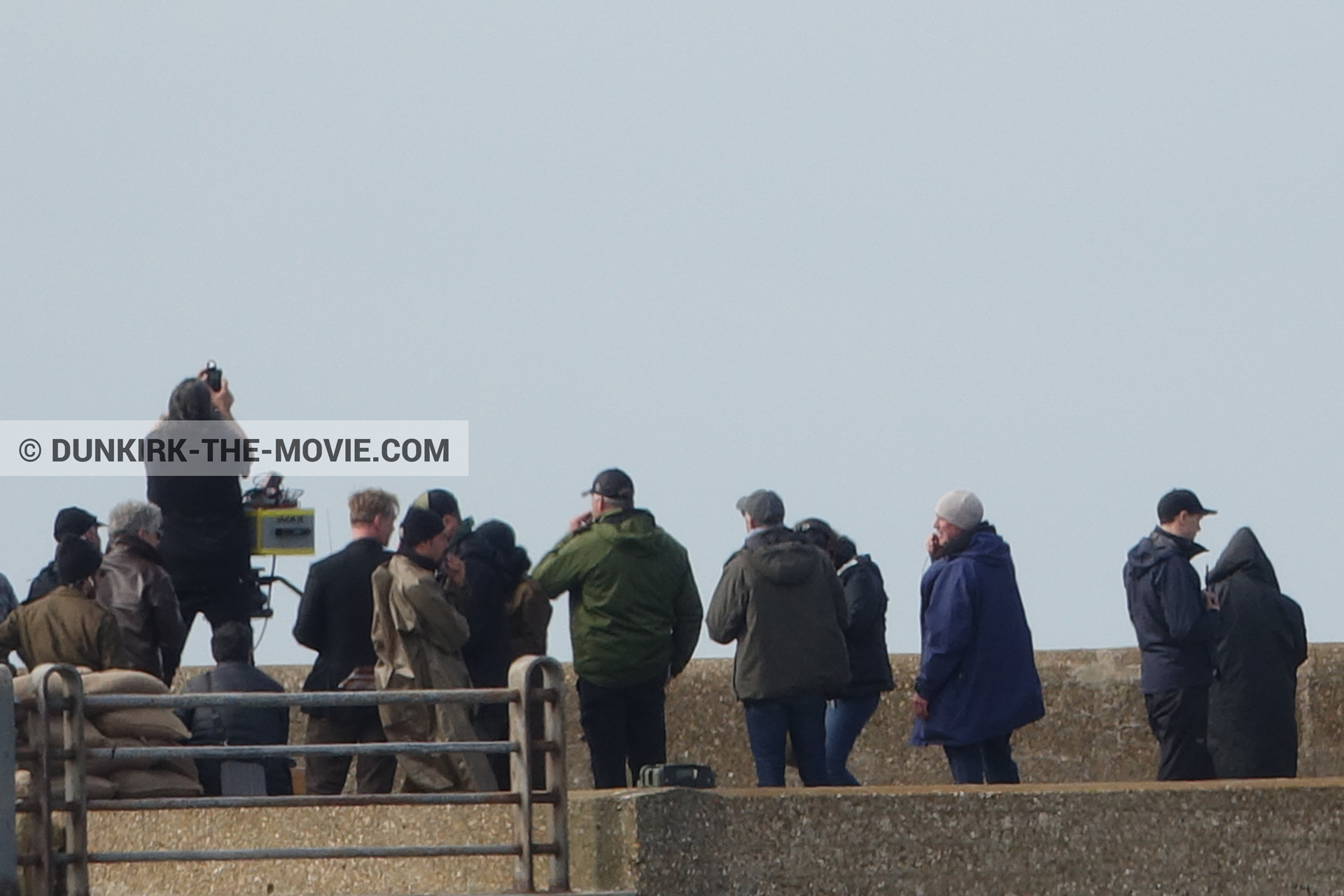 Picture with IMAX camera, supernumeraries, EST pier, Christopher Nolan, Nilo Otero,  from behind the scene of the Dunkirk movie by Nolan