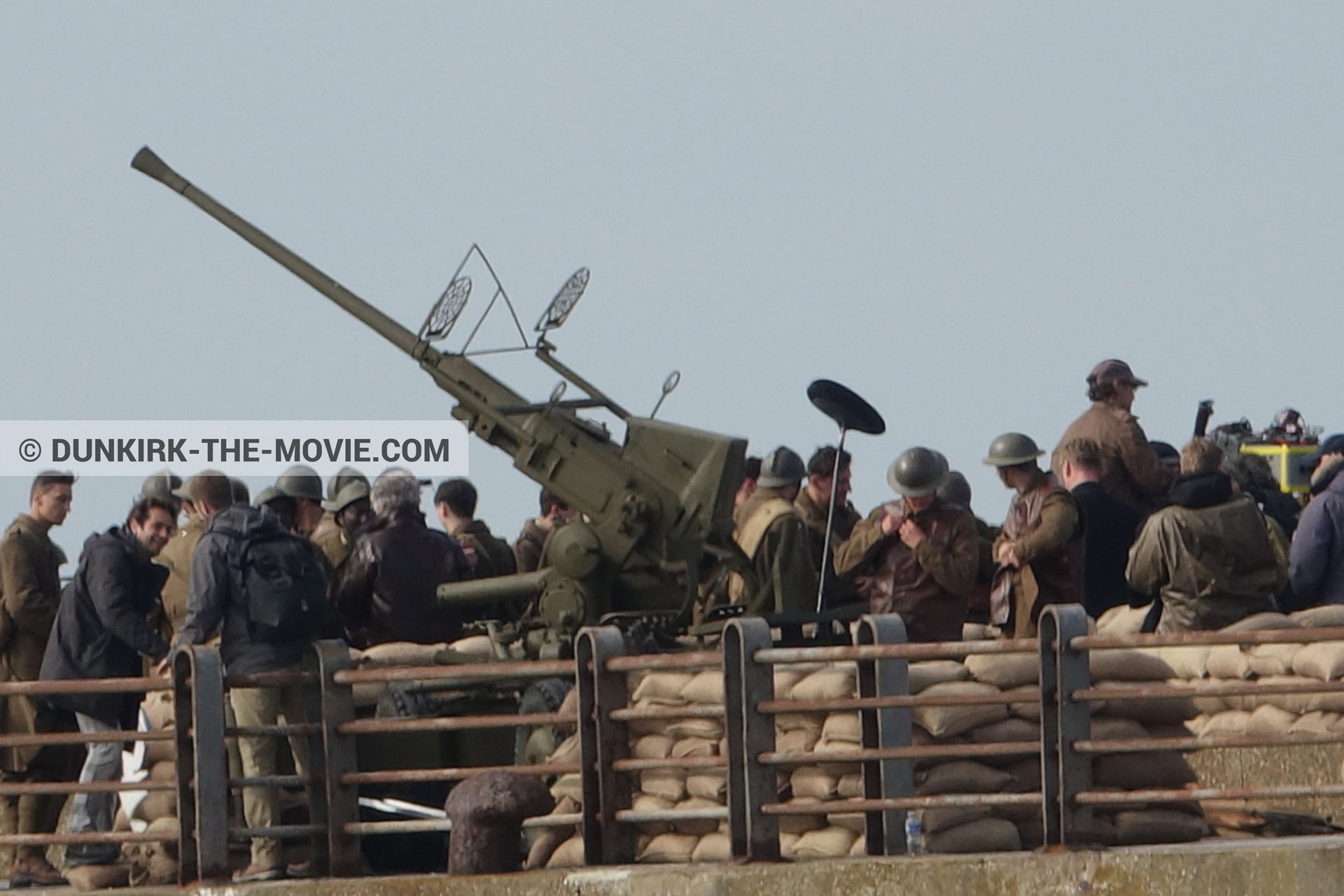 Picture with IMAX camera, cannon, supernumeraries, EST pier, Christopher Nolan, Nilo Otero,  from behind the scene of the Dunkirk movie by Nolan