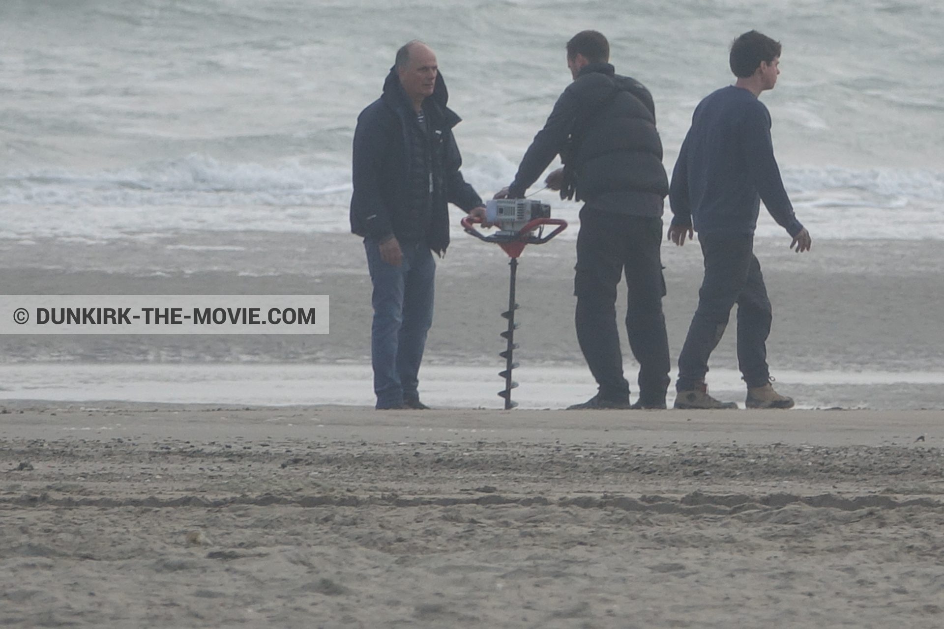 Picture with Malo les Bains, beach, technical team,  from behind the scene of the Dunkirk movie by Nolan